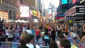 IMAG0736 290x163 Grand Central, Brooklyn Bridge & Time Square Yoga